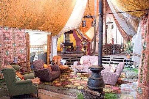 inside_of_weasley27s_tent